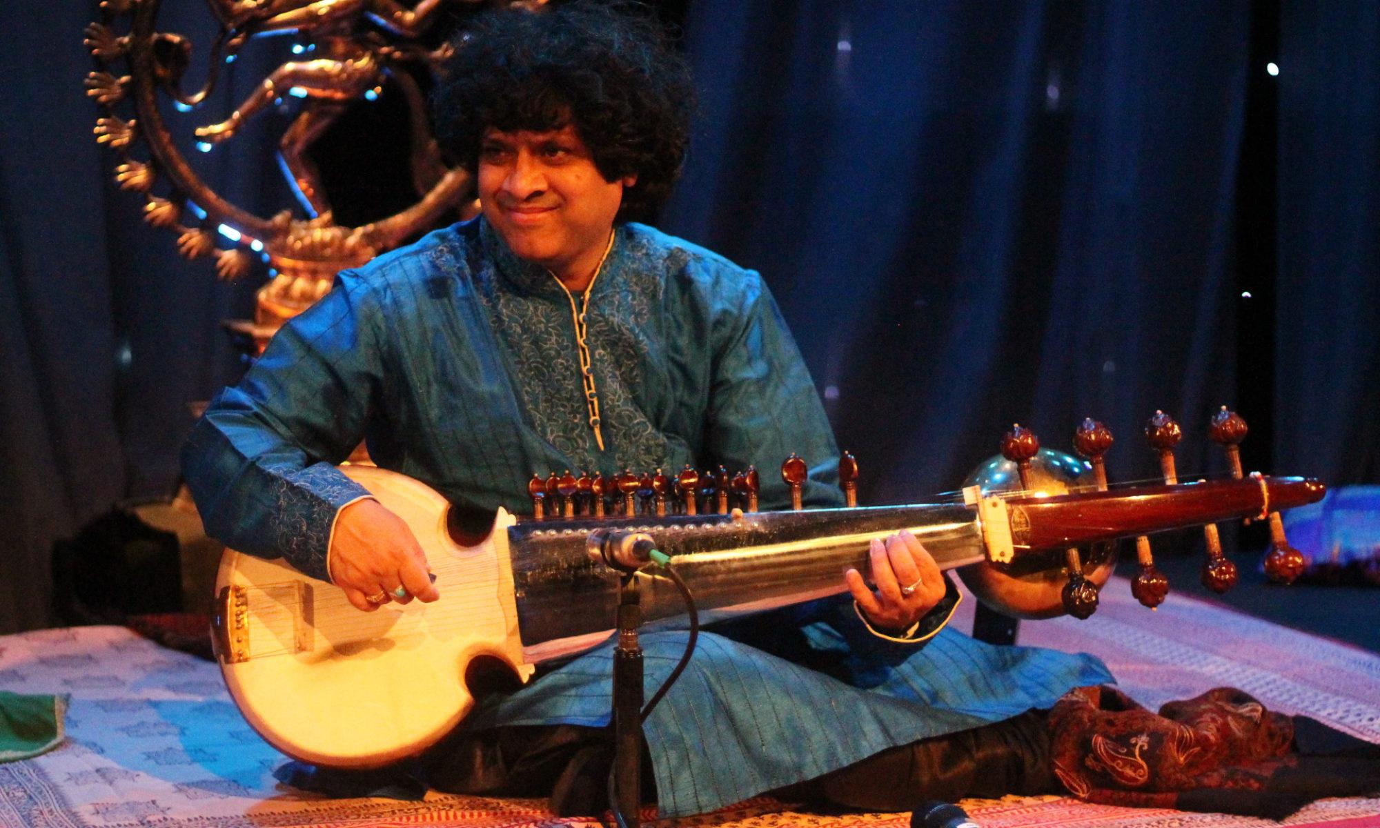 Koncert Ranajita Sengupty v divadle Kampa